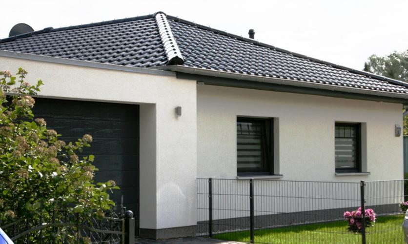 bungalow3 mit garage. Black Bedroom Furniture Sets. Home Design Ideas